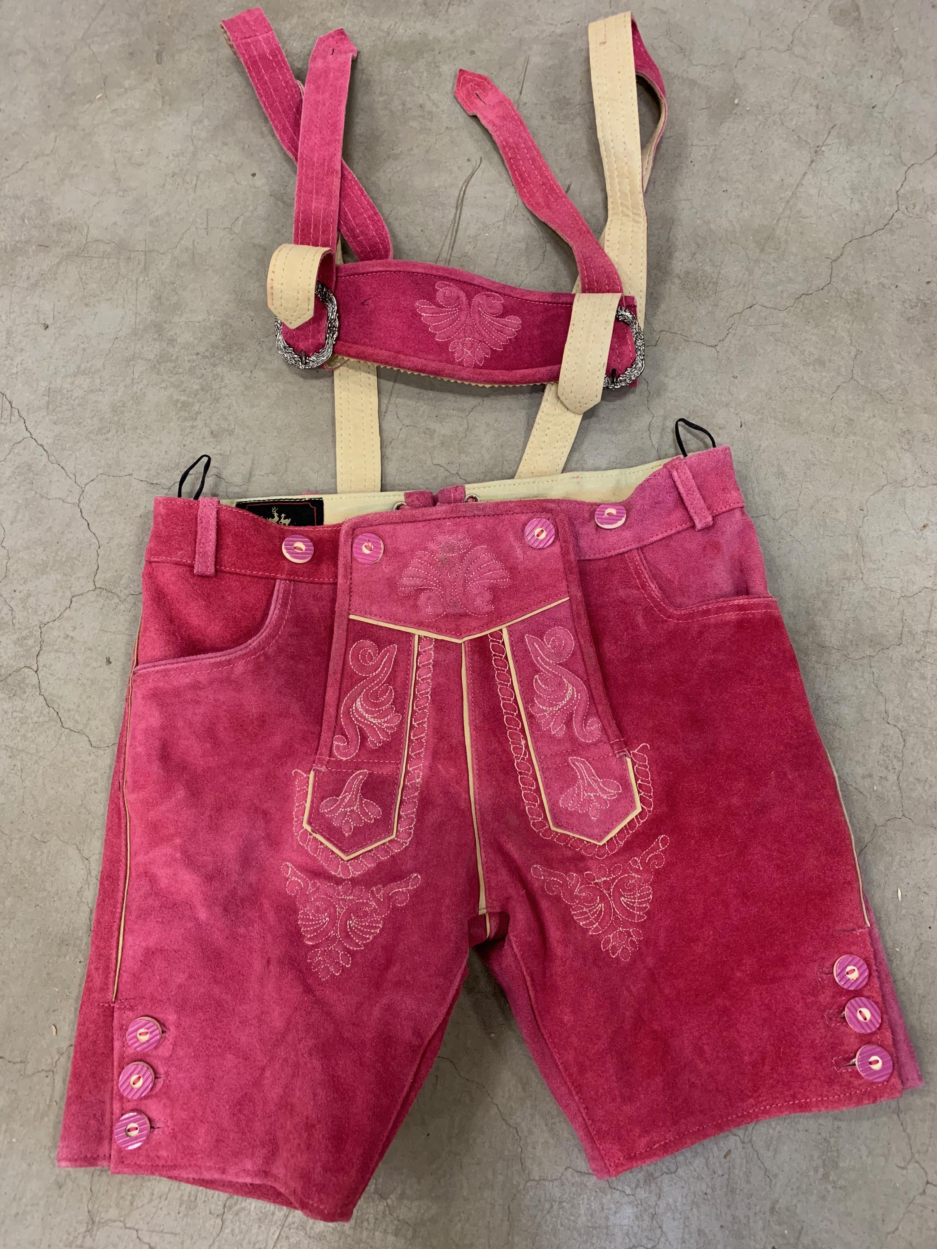 Lederhose Babette lila (Artikel-Nr. 8042-014) Lederhose Babette pink (Artikel-Nr. 8042-008)